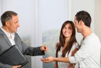 Самостоятельное оформление сделку купли-продажи квартиры: плюсы и риски.