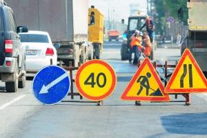 Чем руководствоваться если разметка противоречит дорожным знакам?