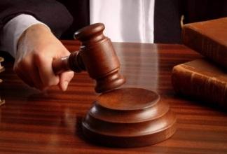 В чем разница процедуры наследования по закону и по завещанию.