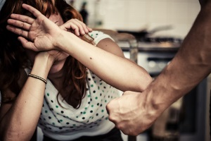 Накзание и статья за избиение несовершеннолетних детей.