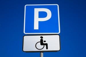 """Знак 6.4 и табличка 8.14 """"Парковка для инвалидов"""""""