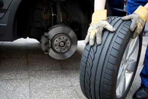 Какими установить шины на одной оси