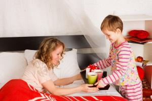 Как оформить ребенка на опекунство?