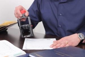 Дарение доли квартиры: нужен ли нотариус?
